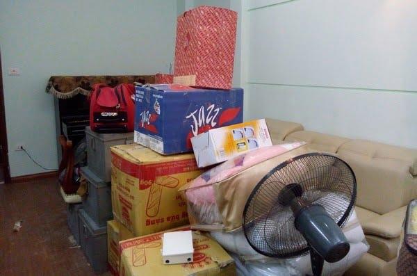 Thuê taxi tải Kiến Vàng chuyển nhà trọ sinh viên