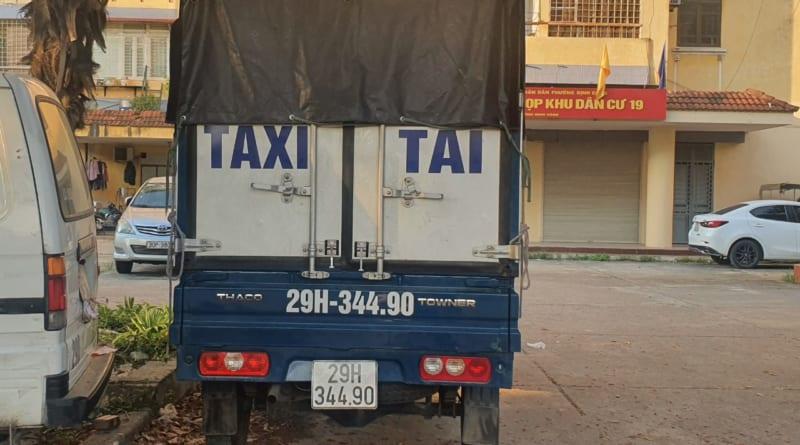 xe tải chở hàng hà nội
